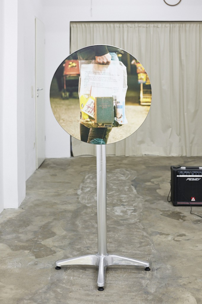 Oliver Kohlmann, Ausgangsmaterial 1, mixed media, 60 x 110 cm, 2015